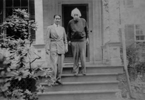 Arellano y Einstein: una perla en las manos del médico peruano